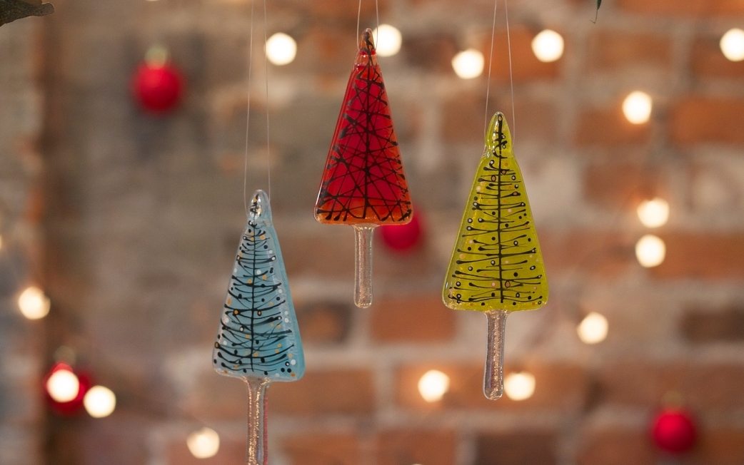 spend a fun day learning a new skill and creating your own unique christmas decorations for you to treasure or gift to friends and family